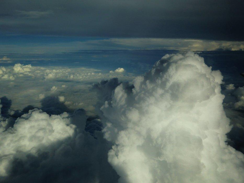 突然の入道雲