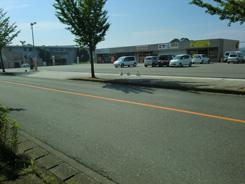 土井鍼灸院前の駐車場の写真