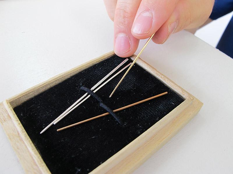 鍉鍼(刺さない鍼)